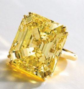 Yellow Diamond Buyers purchases fancy yellow diamondd.